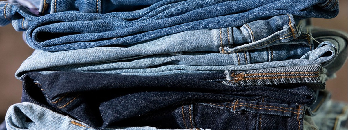 An eco-friendly method for dyeing jeans