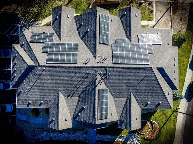 Google Solar Roof >> Google Launches Project Sunroof Solar Power Service In Uk E T