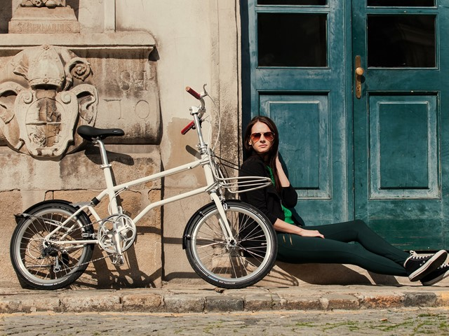 Self Charging Folding Bike Promises Electric Propulsion Without Plugs