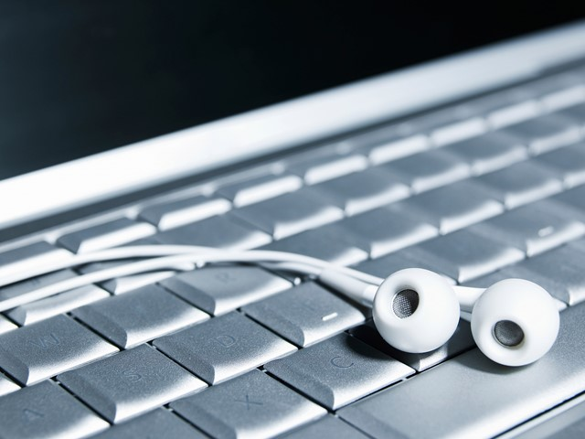 Malware converts microphone-free computers into eavesdropping ...