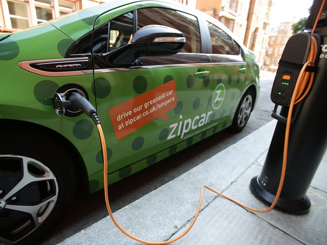 Plug-in hybrid cars should be banned from using chargepoints