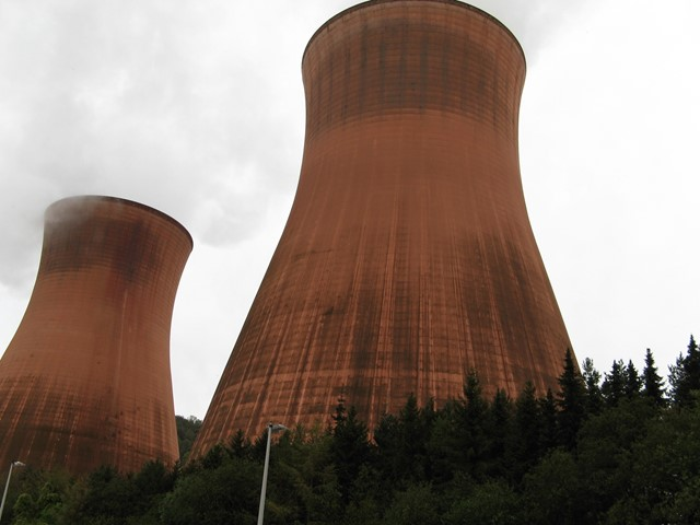 Coal's share in UK electricity generation drops to six per ...