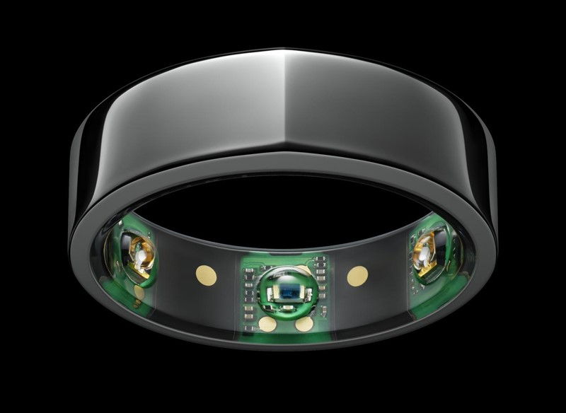Oura ring wearable device